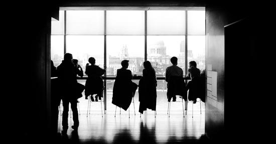 亿博备用网海外创新中心集合专业人才机构、海外当地知名高校协会组织以及国内各大园区企业伙伴优势,实现引进人才回国落户及培养园区全球化人才双向功能。